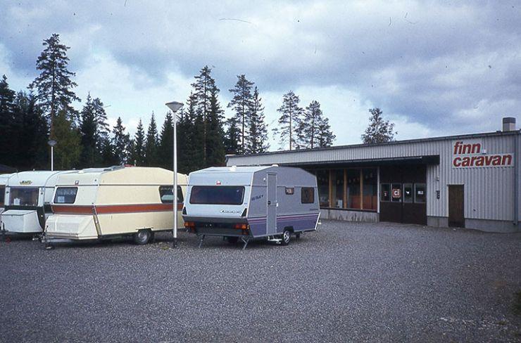 Caravan Erälaukon liiketilat ja matkailuvaunuja vuodelta 1979